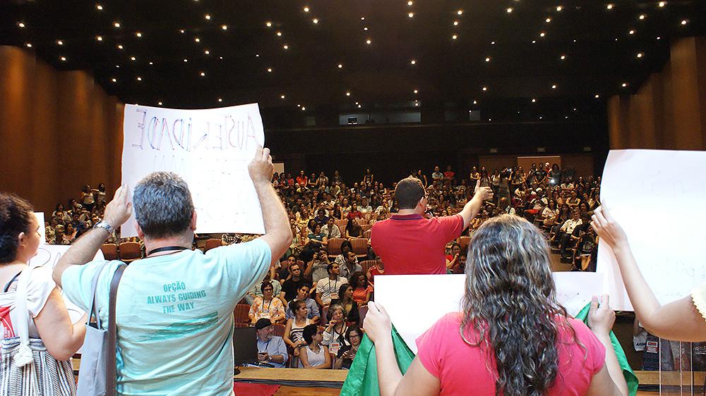 Grande público participou do Ato Público que envolveu movimentos sociais e pesquisadores )) Fotos de Flaviano Quaresma