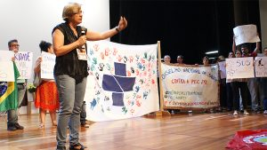 Roseni Pinheiro, que havia participado do Grande Debate, voltou ao palco para o Ato.