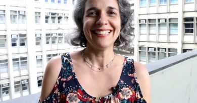 (Português do Brasil) Vídeo ) Tatiana Wargas fala de avaliação, Physis e a área da Saúde Coletiva