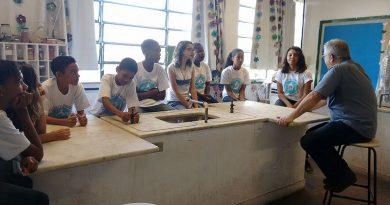 (Português do Brasil) Eduardo Faerstein inicia projeto sobre Agenda 2030 em escola pública na zona norte do Rio